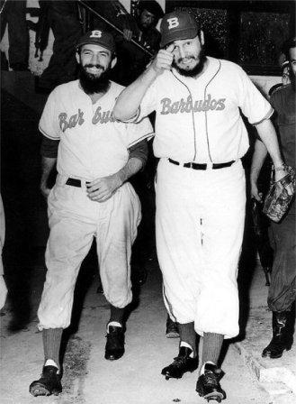 Camilo y Fidel en el célebre juego de pelota