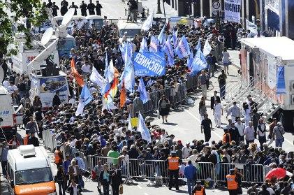 Argentinos despiden a Kirchner
