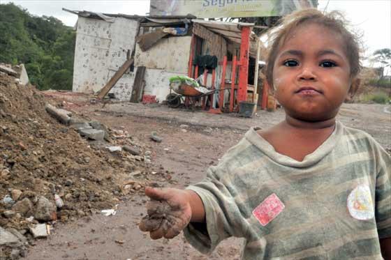 9d383ed37b423f4fc2690d19b619585c Muy fuerte: Casi la mitad de los pobres en RD tiene menos de 18 años