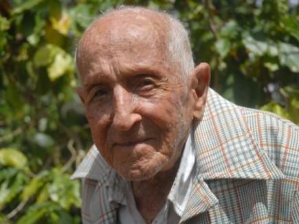 Rostro tranquilo y sonriente de Segundo Pérez Álvarez, poblador de la comunidad espirituana de Meneses, quien arriba este primero de Mayo a los 109 años de vida. Sancti Spíritus, Cuba, 27 de abril de 2014. AIN FOTO/Oscar ALFONSO SOSA/