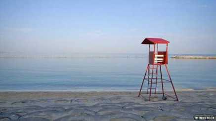 Las concurridas playas de Japón se vuelven un desierto desde el 1 de septiembre.