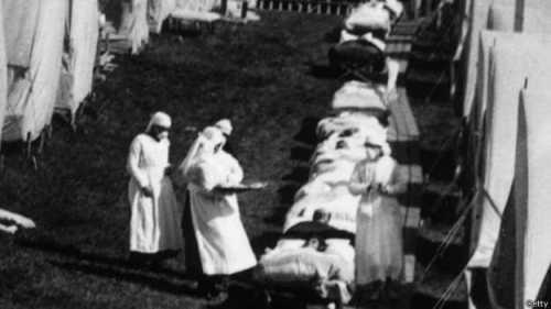 La gripe española mató a tres veces más personas que los 17 millones muertos en la Primera Guerra Mundial.